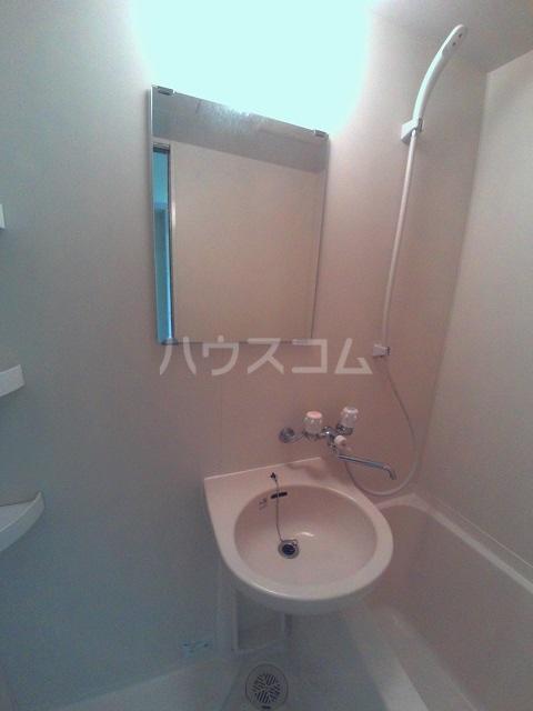 グランピエールK2 207号室の洗面所