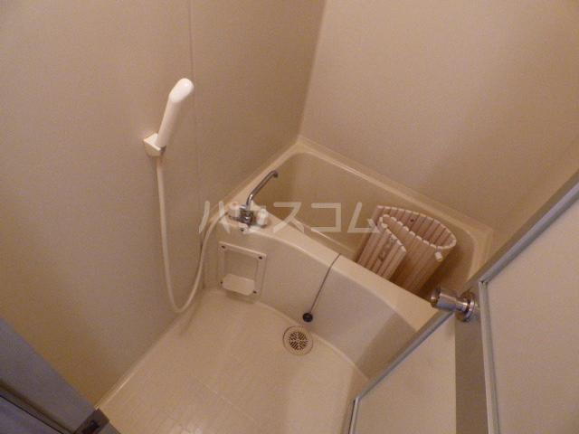 ルロワ津田沼 202号室の風呂
