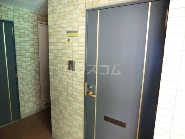 ルロワ津田沼 202号室のエントランス