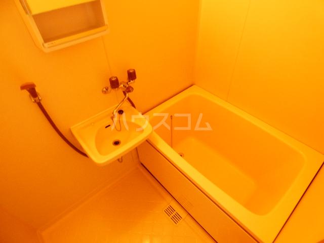 グリシーヌ藤崎Ⅱ 202号室の風呂