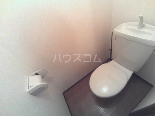 エスペランサ前原 101号室のトイレ