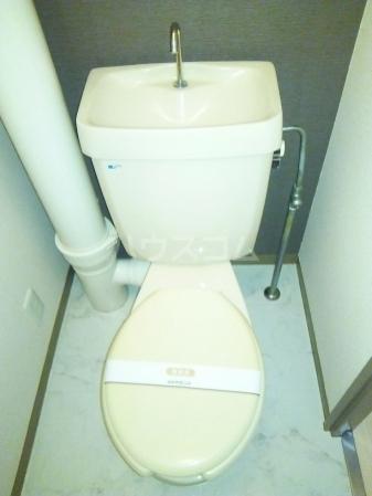 ファーストコーポ幕張本郷 307号室のトイレ