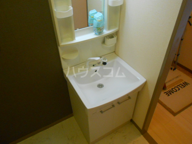 ファーストコーポ幕張本郷 307号室の洗面所