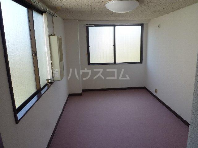 メゾン森 302号室のリビング