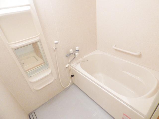 イマヴリューマンション 306号室の風呂