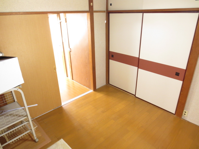 末広荘 201号室のリビング