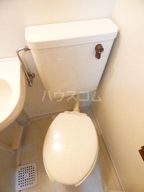 ヒルトップ花咲 106号室のトイレ