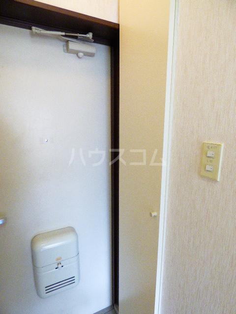 ヒルトップ花咲 106号室の収納