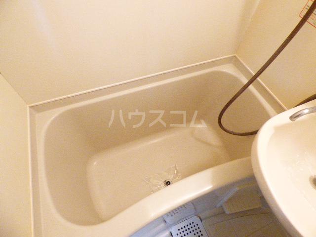 ヒルトップ花咲 107号室の風呂