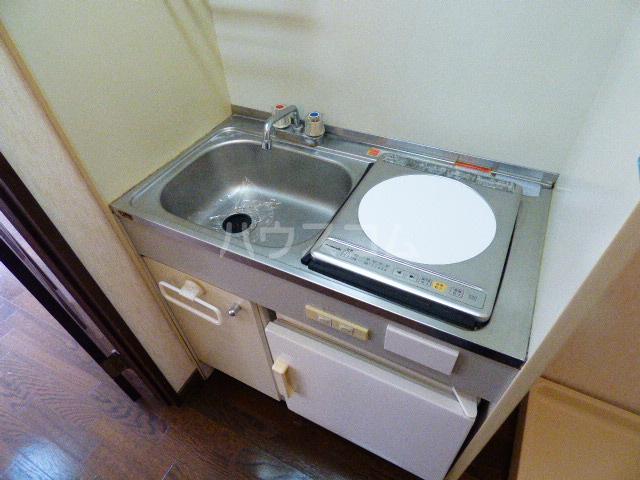 ヒルトップ花咲 202号室のキッチン