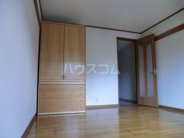 ソフィア 102号室の居室