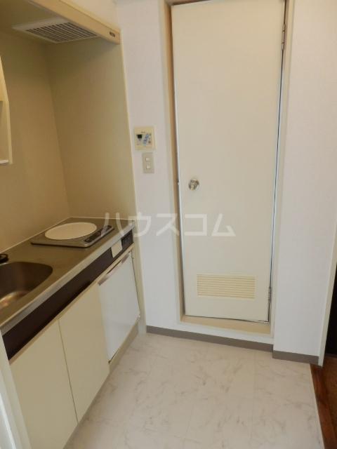 ジュネパレス津田沼第5 402号室のキッチン