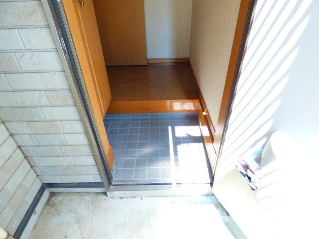 アッパルタメント・ロッソ 101号室の玄関
