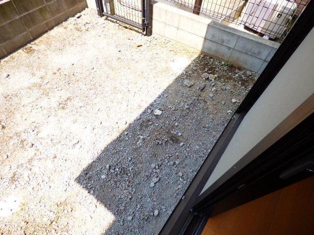 アッパルタメント・ロッソ 101号室のバルコニー
