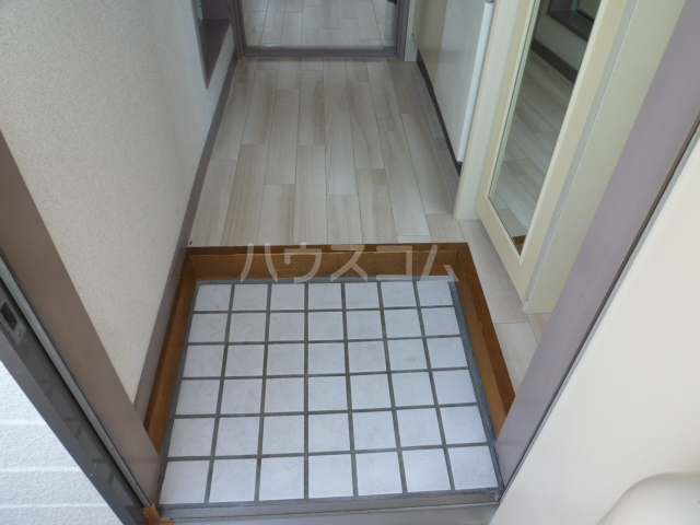 ジュネパレス津田沼第24 206号室の玄関