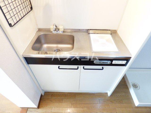 カーサ・アイ・エム 102号室のキッチン