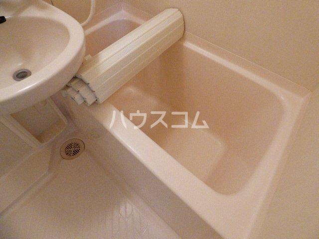 カーサ・アイ・エム 102号室の風呂