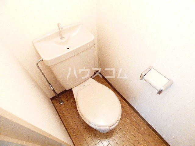 カーサ・アイ・エム 506号室のトイレ