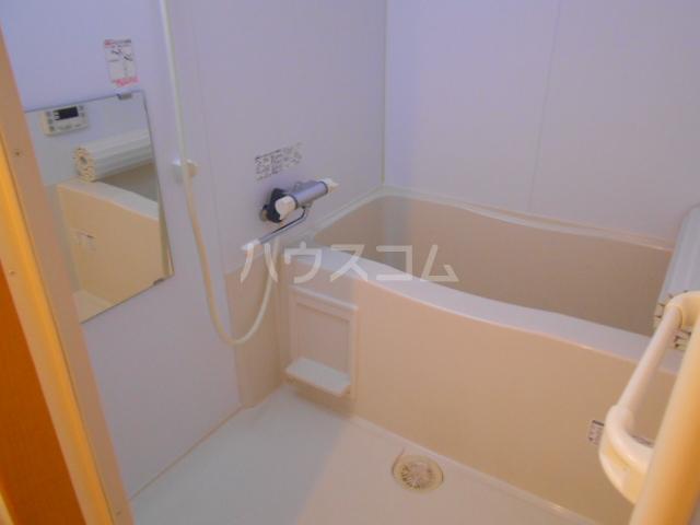 ガレット幕張本郷 304号室の風呂