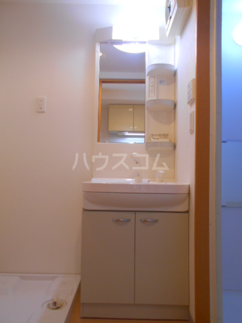 ガレット幕張本郷 304号室の洗面所