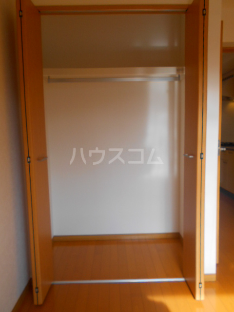 ガレット幕張本郷 304号室の収納