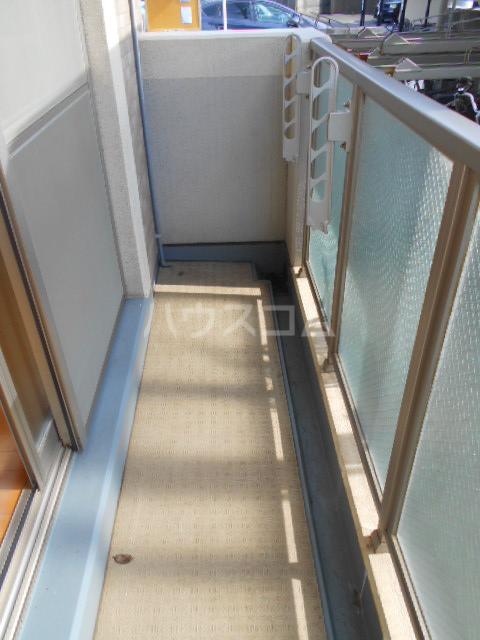 ガレット幕張本郷 304号室のバルコニー