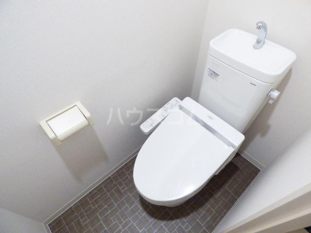 Casa Y 105号室のトイレ