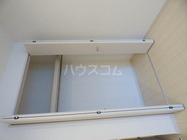 リブリ・クリサンセマム幕張 203号室の収納