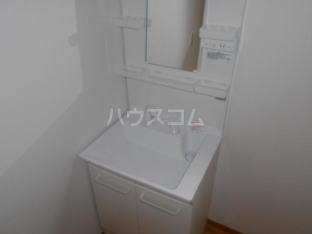 ペスカトリーチェ B号室の洗面所