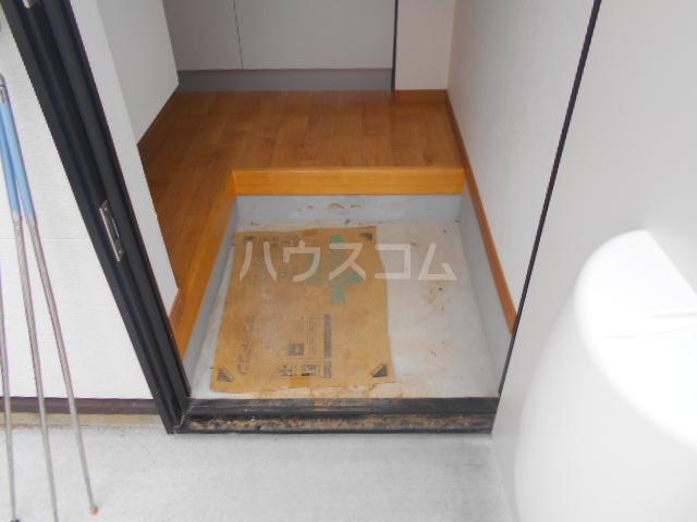ペスカトリーチェ B号室の玄関