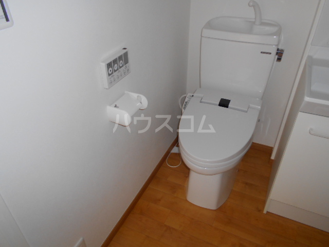 ペスカトリーチェ D号室のトイレ