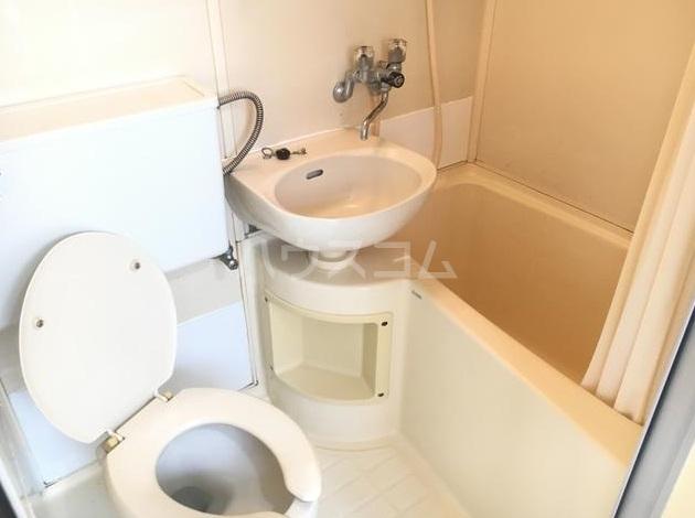 リヴェールコート 204号室の風呂