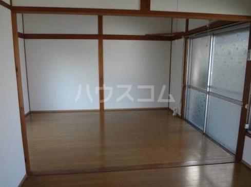 富永荘 101号室の居室