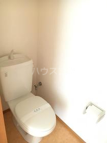 メゾンウィング 201号室のトイレ
