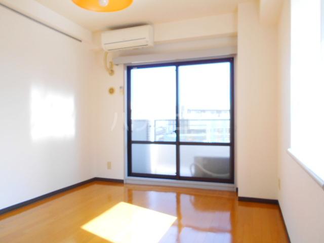 ハウス幕張 201号室の居室