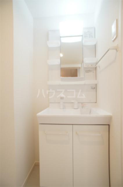 リブリ・エフ・エヌ 102号室の洗面所