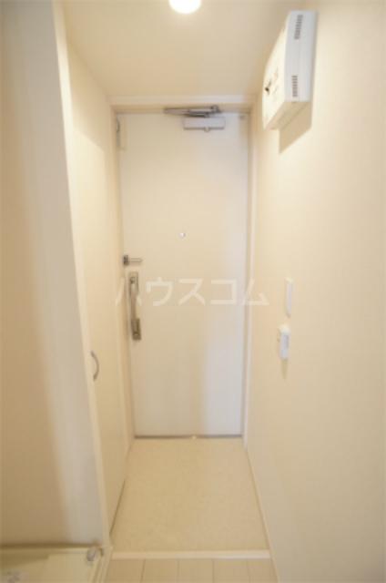 リブリ・エフ・エヌ 102号室の玄関