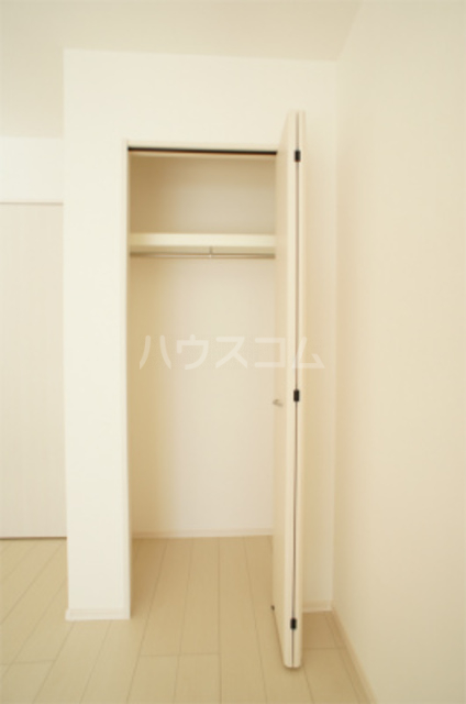 リブリ・エフ・エヌ 102号室の収納