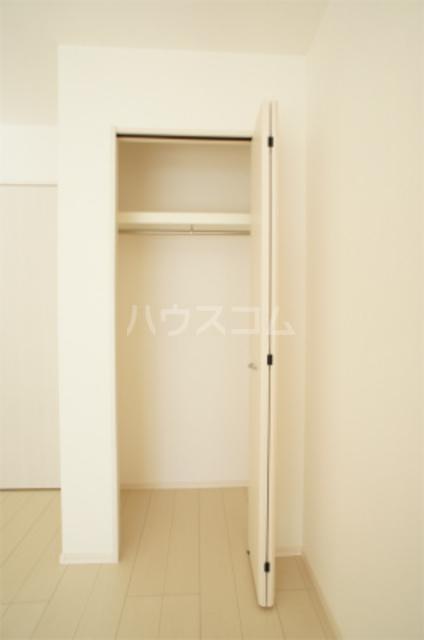 リブリ・エフ・エヌ 201号室の収納