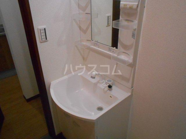 フローリッシュ津田沼Ⅲ 101号室の洗面所