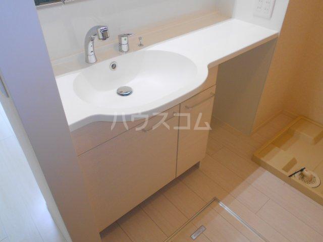 ベラーノ津田沼 103号室の洗面所