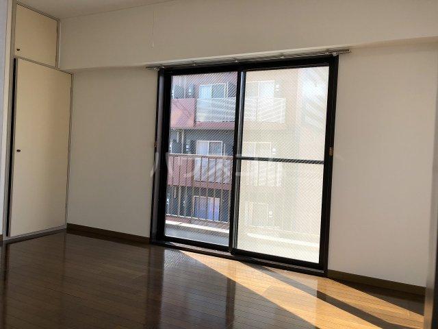 TYMマンション 501号室のリビング