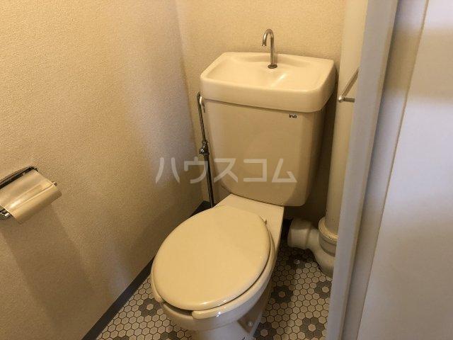 メゾンベル 204号室のトイレ