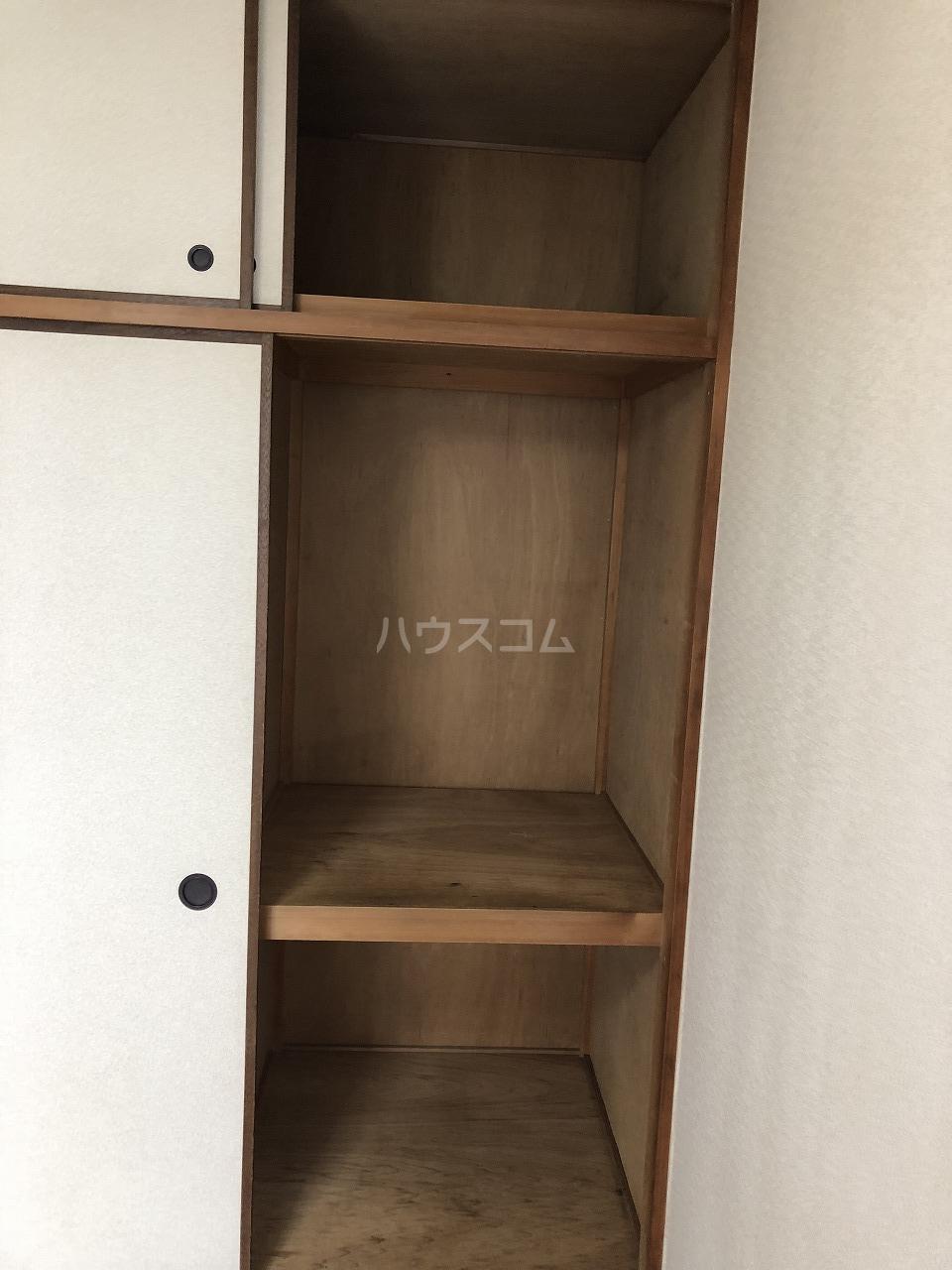 メゾンベル 204号室の収納