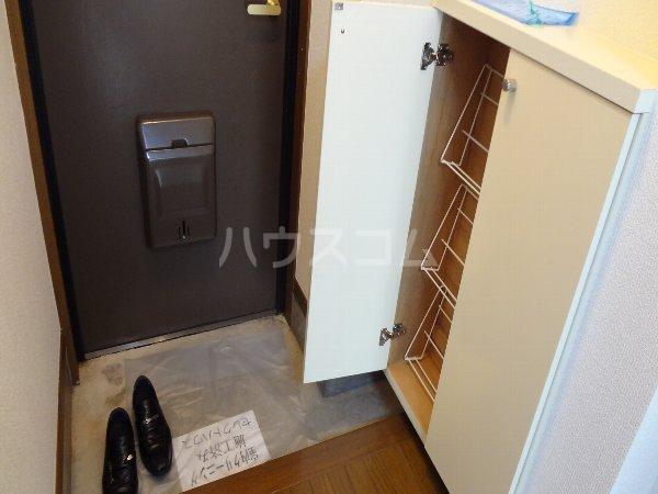 ハイツラフィネ 102号室の玄関