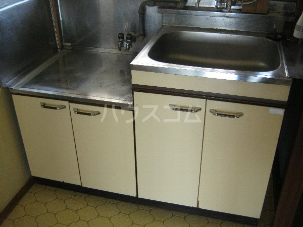 サニーハイツ青山 105号室のキッチン