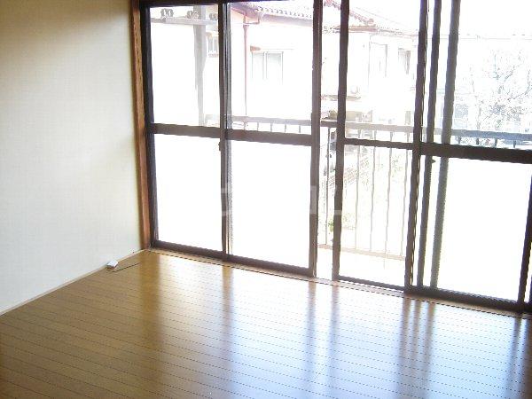サニーハイツ青山 105号室のバルコニー