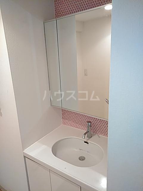 プライムアーバン武蔵小杉comodo 406号室の洗面所