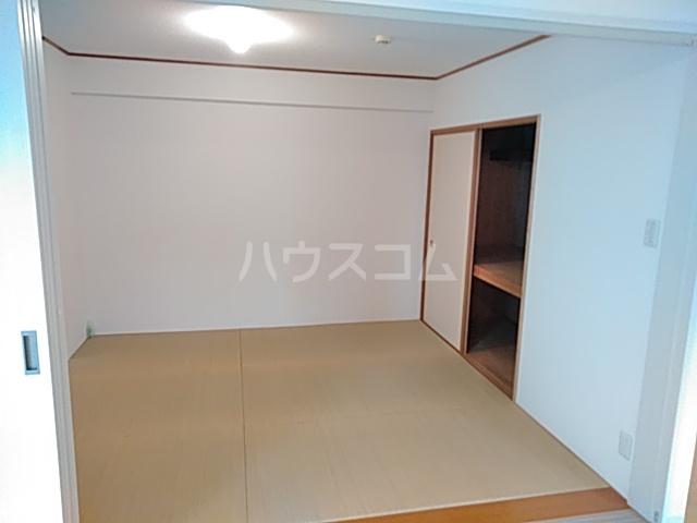 プライムアーバン武蔵小杉comodo 406号室の居室