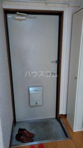 オークガーデン 101号室の玄関